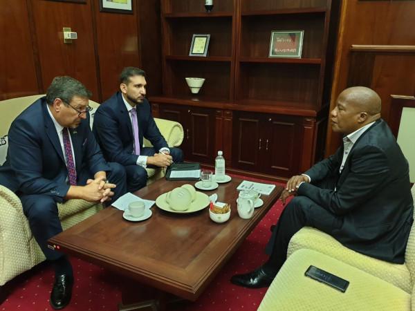 السفير الدجاني يلتقي برئيس الكتلة البرلمانية لحزب المؤتمر الوطني الافريقي