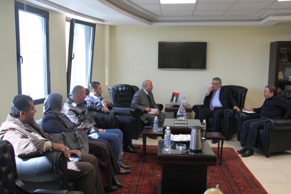 الوزير غنيم يطلع على احتياجات  بلدية سلواد