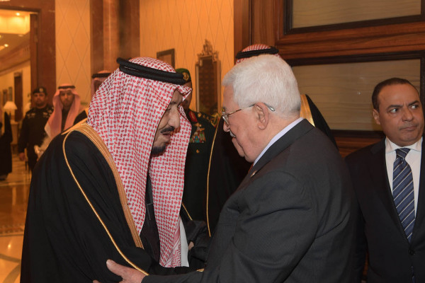 الكشف عن تفاصيل اجتماع الرئيس عباس والعاهل السعودي