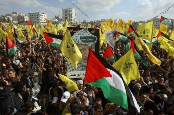 """قيادي بـ """"فتح"""": ندعو الشارع للتحرك تجاه من يُعطل مصالح الشعب الفلسطيني"""