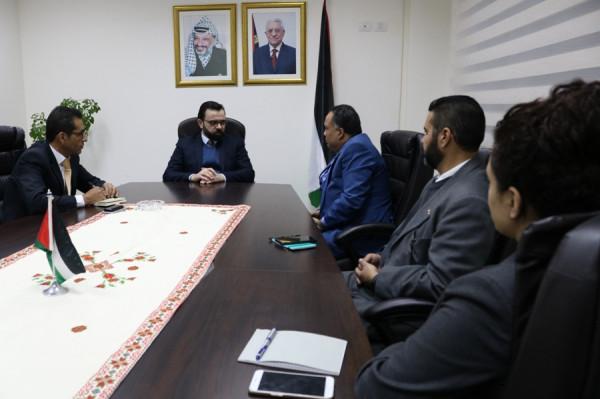 بسيسو يلتقي السفير الهندي لدى فلسطين ويبحثان آفاق التعاون المشترك