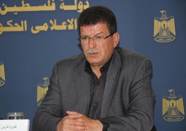 فارس: رعاية أسر الشهداء والأسرى حق كفلته الحركة الوطنية ولن نتنازل عنه