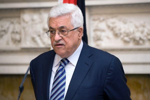 الرئيس عباس: نجري اتصالات لوقف الاقتحامات الإسرائيلية المتتالية للمسجد الأقصى