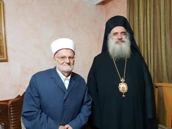 """حنا: """"نحيي اخوتنا المرابطين في باحات المسجد الاقصى"""""""