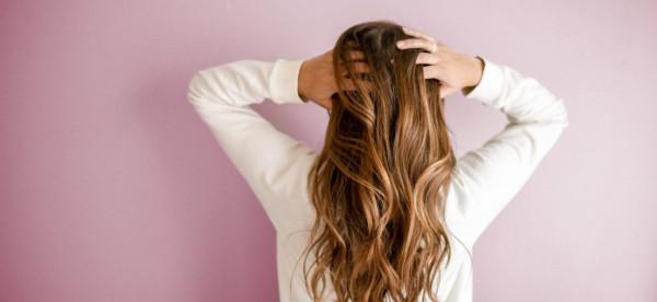 عالجي تلف الشعر بجوزة الطيب بخطوتين فقط