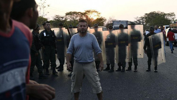 قتيلان في صدامات مع الجيش الفنزويلي عند الحدود البرازيلية