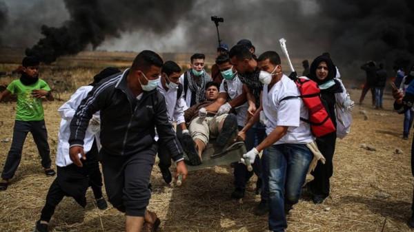 """الصحة: إصابة 17 مواطنا واستهداف مسعفِين وصحفي في جمعة """"باب الرحمة"""""""