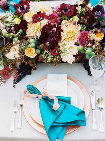 طرق جديدة لطي المناديل في حفلات الزفاف
