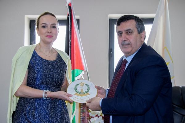 رئيس بلدية بيت لحم يستقبل  السفيرة السلوفاكية كارلا ورستيروفا
