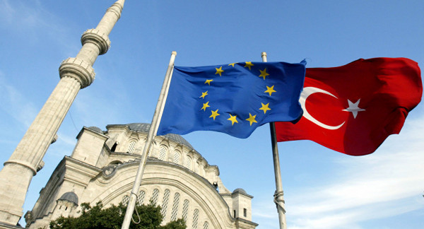 European Parliament demands suspension of Turkey's accession negotiations with the European Union 88