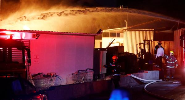 انهيار مبنى بأسدود نتيجة انفجار أنبوب غاز وإصابة شخصيْن بجروح خطيرة