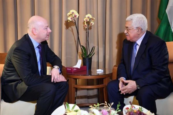 غرينبلات: الإدعاءات بتعاون الرئيس عباس مع واشنطن سراً كاذبة