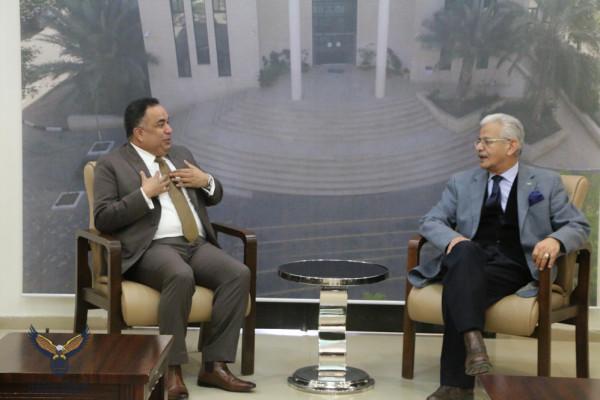 جامعة الاستقلال تستقبل السفير الهندي وتبحث معه التعاون المشترك