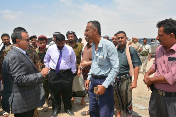 رئيس جامعة عدن يتفقد أعمال المسح والتقسيم لأراضي الجمعية السكنية لموظفي الجامعة