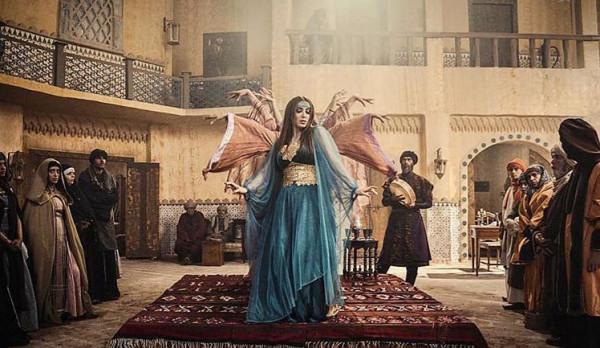 """نسرين طافش ترقص على أنغام الموشحات في """"مقامات العشق"""""""