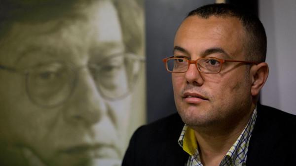 مجهولون يعتدون بالضرب على المتحدث باسم فتح عاطف أبو سيف بغزة