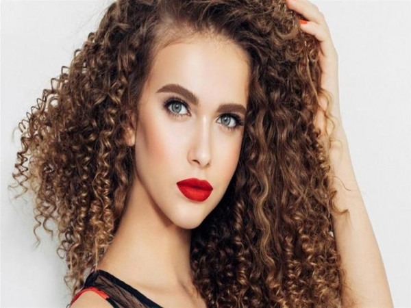 10 وصايا ضرورية لتسريح الشعر المجعد