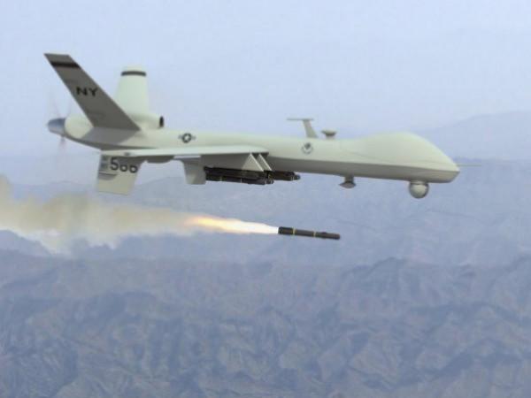طائرات استطلاع اسرائيلية تستهدف مجموعة مواطنين شرقي القطاع