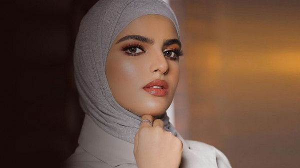 """زوج السعودية سارة الودعاني يظهر للعلن للمرة الأولى.. والمُتابعين: """"مرة حلو"""""""