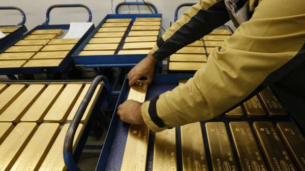 روسيا تزيح الذهب عن عرشه بمعدنها