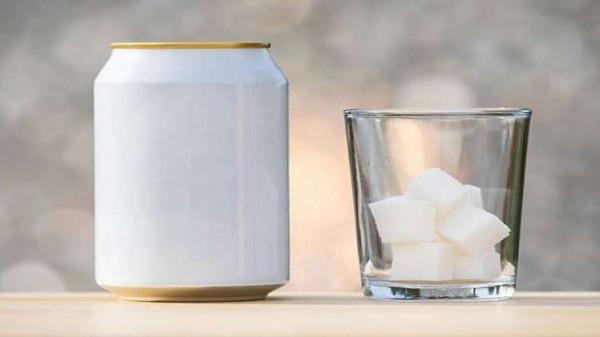 المشروبات السكرية تزيد خطر الموت بأمراض القلب والسرطان