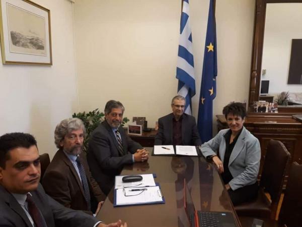 طوباسي يُطالب الخارجية اليونانية بتوضيح حول مشاركة شركات بعطاء قطار القدس