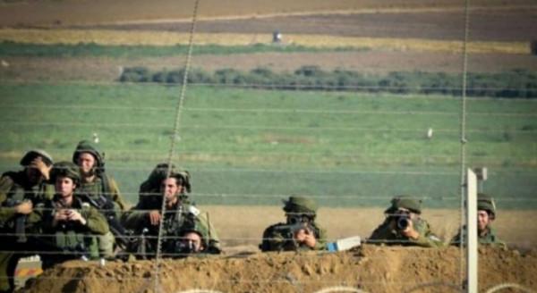جنود الاحتلال ينتشرون عند السياج الامني جنوب قطاع غزة