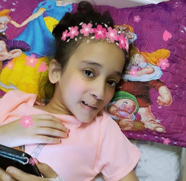 غزة: طفلة يطاردها شبح بتر قدمها وتناشد الرئيس عباس تخليصها من آلامها