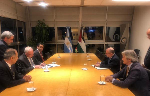 المالكي ونظيره الأرجنتيني يوقعان على اتفاقية تعاون في مجال التعليم