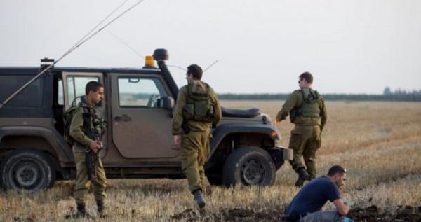 جيش الاحتلال يعتقل فلسطينيين إثنين بزعم تسللهما لغلاف غزة