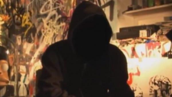 فيديو: ممثّل مصري قدير يكشف تعاطيه مادة مخدّرة... شاهدوا كيف شعر بالإحراج
