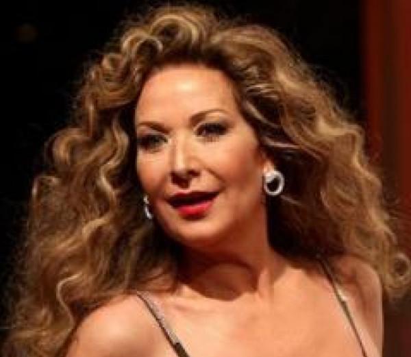 """رغدة: من المعيب أن يتم تكريمي مع ممثلة """"بنت مبارح"""""""