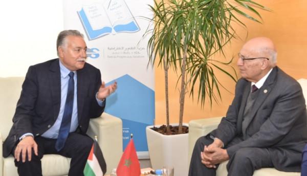 شعث يشيد بالدعم المتواصل الذي يقدمه العاهل المغربي للقضية الفلسطينية