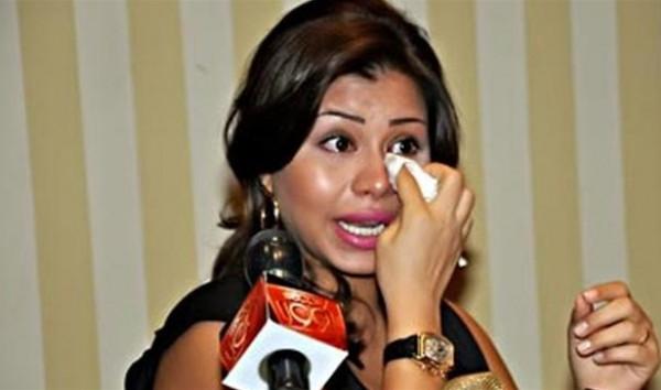 شاهد: شيرين في أضعف حالاتها.. تبكي وتستغيث بالرئيس السيسي