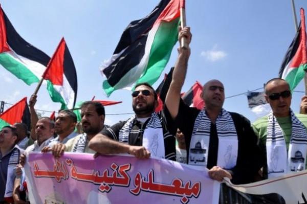 مُبعدو كنيسة المهد يُطالبون القيادة الفلسطينية بالعمل على إنهاء معاناتهم