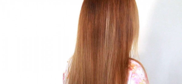 مشروب شهير يساعدك على فرد الشعر بسهولة مدهشة