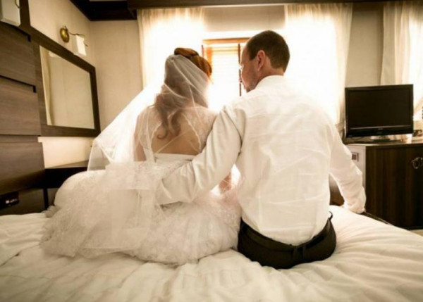 """الدورة الشهرية سبب طلاق """"عفاف"""" في يوم زواجها.. تفاصيل صادمة"""