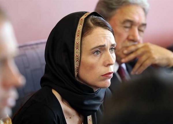 بعد تأثيرها عالمياً.. 15 صورة تكشف أناقة رئيسة وزراء نيوزيلندا