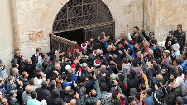 """""""القدس الدولية"""": الاحتلال يحاول الاستفراد بباب الرحمة"""