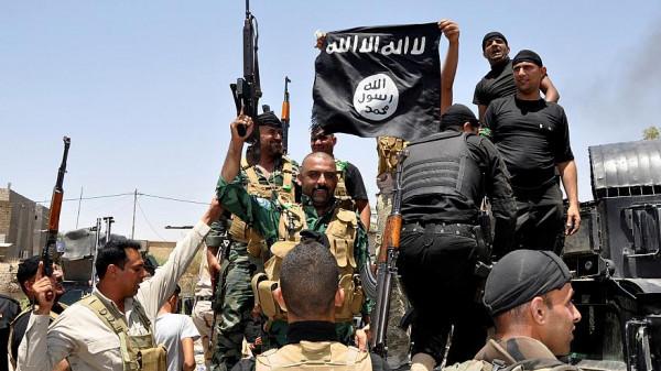 سوريا.. استسلام العشرات من تنظيم الدولة خرجوا من الأنفاق بالباغوز