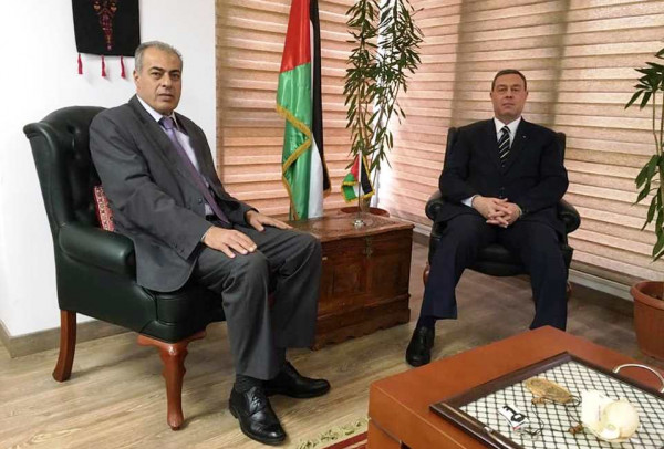 رئيس جامعة الأزهر بغزة يلتقي سفير دولة فلسطين في القاهرة