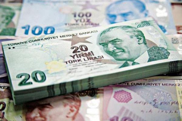 تركيا تتوعد بمحاسبة مستهدفي عملتها المحلية