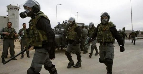 هيئة الأسرى: وحدات القمع الإسرائيلية تقتحم عدداً من السجون