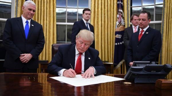 بينس: ترامب سيوقع اليوم مرسوماً يعترف بالسيادة الإسرائيلية على الجولان