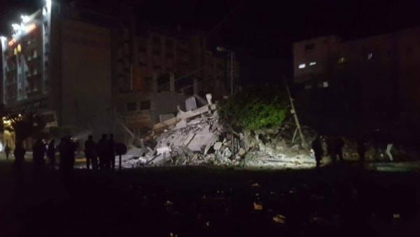 شاهد: سبع إصابات إثر العدوان الإسرائيلي وتدمير مكتب هنية ومقر شركة الملتزم
