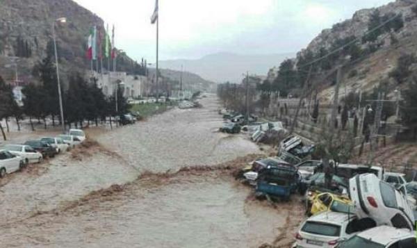 عشرات القتلى والجرحى بفيضانات في ايران