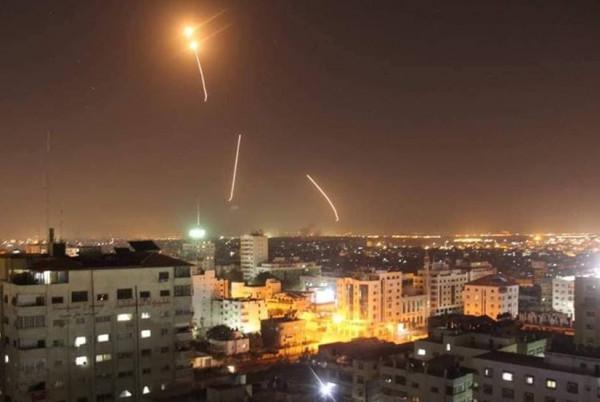 غرفة العمليات المشتركة: قصفنا مواقع إسرائيلية برشقات صاروخية
