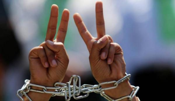 """مؤسسة تضامن"""" تحذر من خطورة ممارسات الاحتلال العقابية بحق الأسرى"""