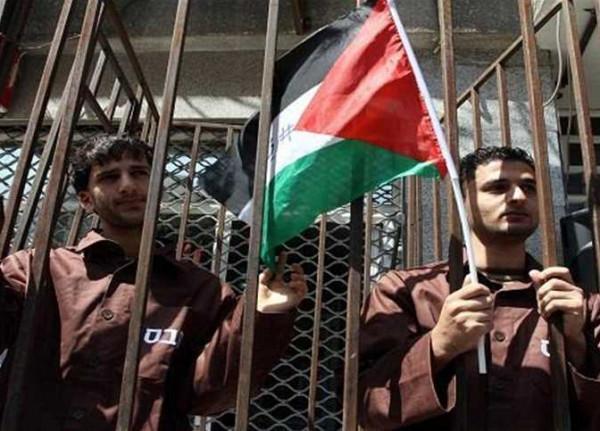 نادي الأسير في الخليل: الأسرى الفلسطينيين يتعرضون لهجمات شرسة