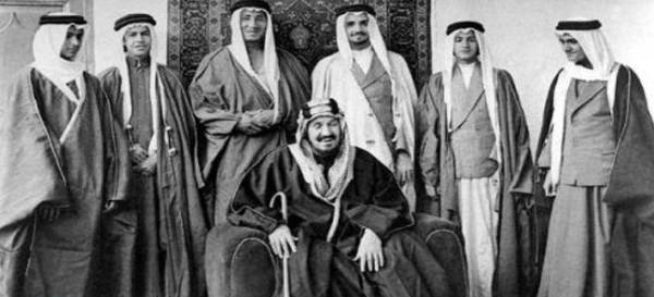 تعرف على رواتب الأمراء السعوديين قبل 82 عاماً